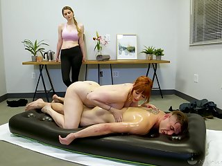 Legendary nuru massage by curvaceous cougar masseuse Lauren Phillips