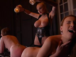 Kayla Green & Liona Levi & Lulu Love in all directions Smoking Hot: Lesbian Teens Ass Fucked By Leader Dominatrix - KINK