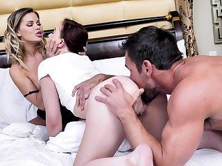 Mom-daughter home soft soap in sensual threesome